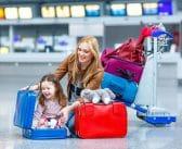 Trousse du voyageur: que doit-on emporter pour l'enfant?
